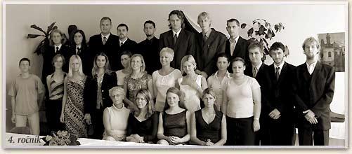 absolventi_2003-4R