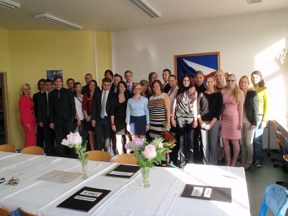 absolventi_2012-4R